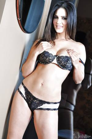 Italian Lingerie Porn - ... Dreamy Indian pornstar Sunny Leone needs to pose on camera ...