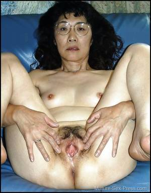 Japanese Granny Pussy Spread -