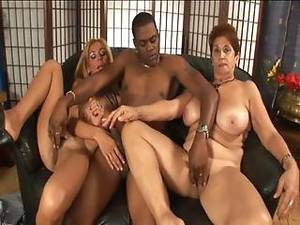 Milf Porn Orgy - Fat Milf Jessica In Orgy With Maicon