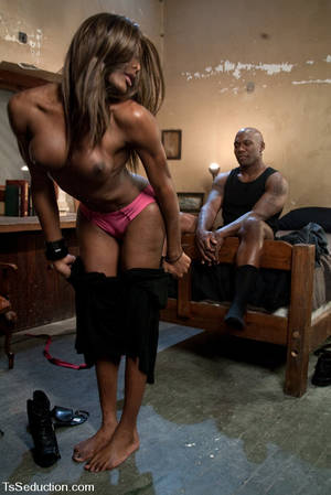 big tranny mistress - Black Ts Mistress Amyiaa dominates and ass fucks hot male