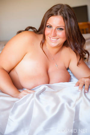 brunette plump mature - Gorgeous full figured brunette starts with - XXX Dessert - Picture 9