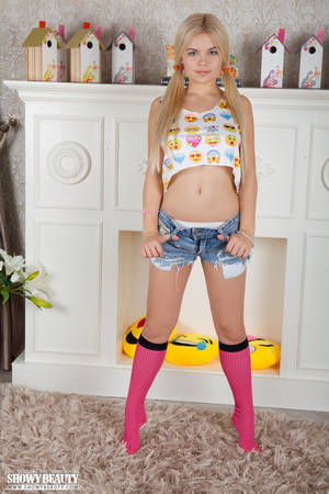 busty petite blonde teen - ... Kylie in Sexy Smile ...