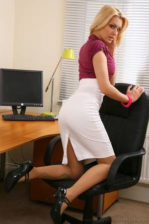 hot blonde babe fucked at the office - Office porn pictures with my sexy secretary - XXX Dessert - Picture 4