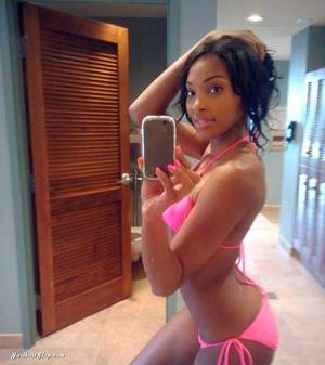 ebony cam nude - Busty ebony in selfshot