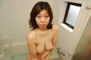 Japanese Granny Pussy Spread - Naughty Japanese Granny Enjoy Dick Sucking and Crushing On Bed