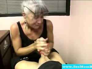grannies hand job - Cocksucking milf sucking on fixed dick