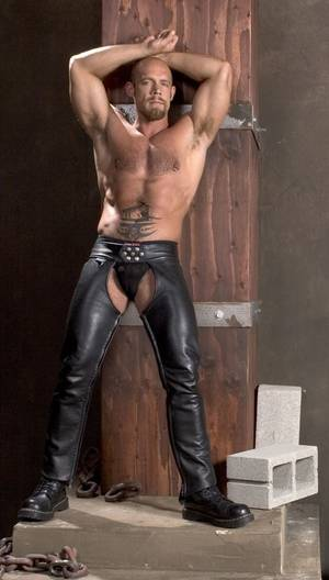 Leather Muscle Porn - Jake = almost as hot as Spencer Reed :-)