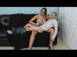 guy gives guy handjob - www.yadaxxx.tk - Tall woman gave a nice handjob to a shorter guy - XNXX.COM