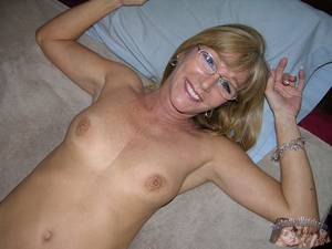 Blonde Mature Glasses - Amateur Nude Milf With Glasses