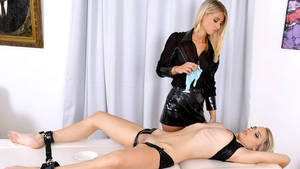 Kinky Toy Porn - Play 'Chloe Lacourt and Chloe Toy get real kinky'