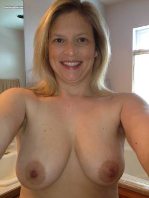 medium natural tits milfs - Tit Flash: My Medium Tits (Selfie) - Topless American Girl from United  States