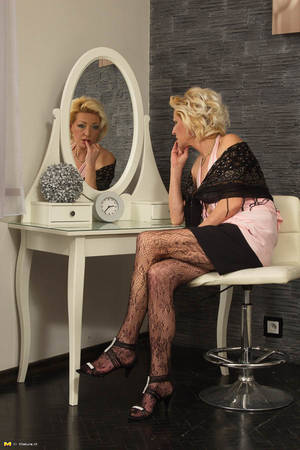 Mature Stocking Porn - matureNL-sexy-blonde-milf-wanks-in-lacy-stockings- ...