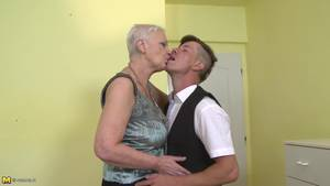 Adult Porn Doggie Style - NL Busty granny fucked doggy style
