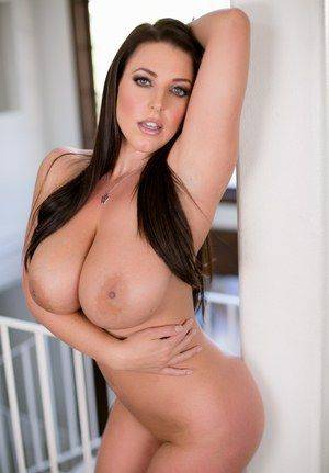 best average tits - Check out the best MILF boobs pics for free on Perfect Tits Porn.