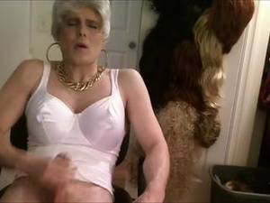 crossdressers fucking grannies - granny tranny