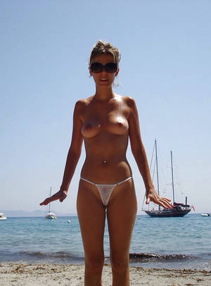 amature beach nudity - Amateur beach pussy with hot body