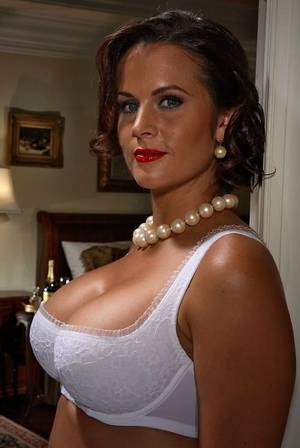 big boobs pearl necklace - An image by Grannymommilf: 205 |