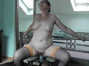 granny shemale fuck machine - dildo riding,amateur granny,granny toy insertion,homemade porn with granny, fucking