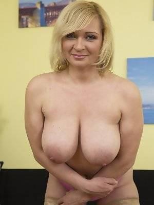 Mature busty porn