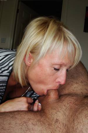 Amateur sex with blonde mature